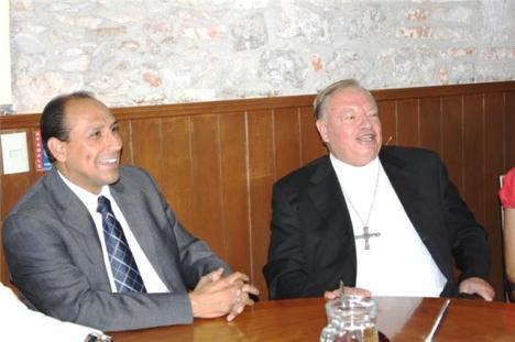El cardenal jalisciense asistió a un evento del organismo Caballeros de Colón (Foto presidencia municipal)