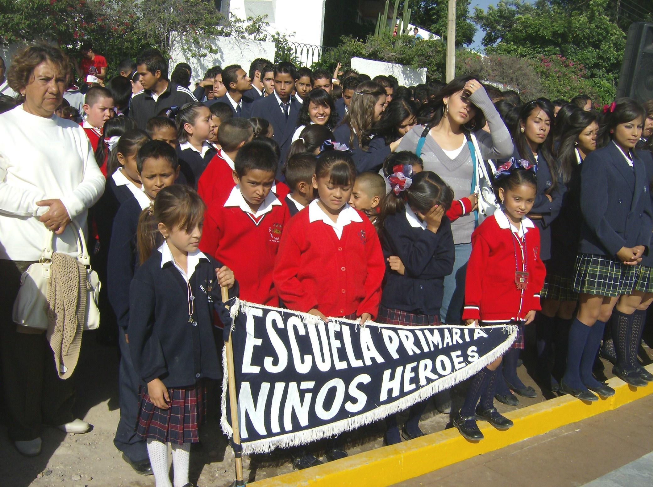Los Niños Héroes De Hoy Pictures