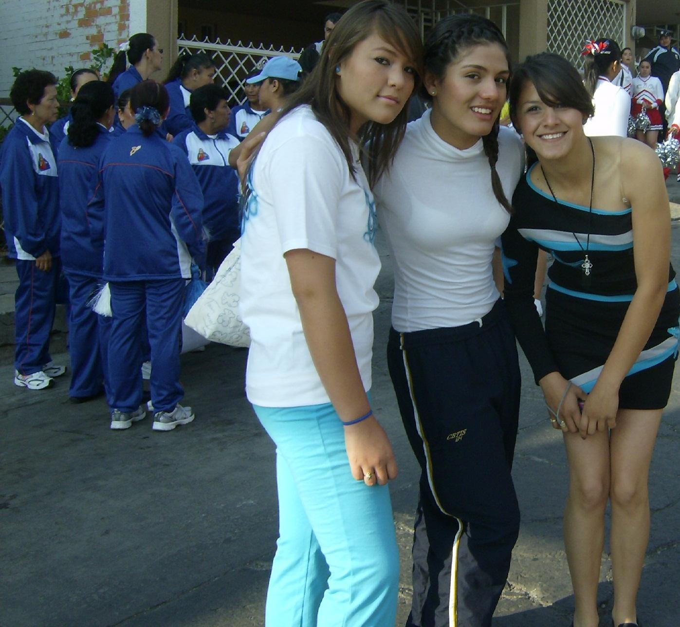 La Piedad. Desfile, 19. Lindas muchachas | Silviano's Weblog
