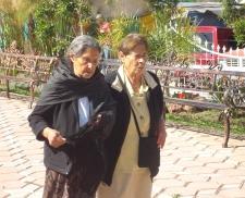 Chepa y Lucre, las tías, en Ziquítaro