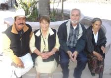 Ziquítaro. Salvador Salgado, Lucrecia Campos, Silviano Martínez y Josefa Campos. Foto de Emmanuel